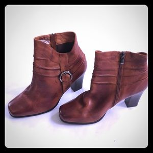 Fitzwell Heeled Boots zip up size 10 brown leather